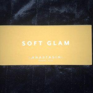 Soft Glam ANASTASIA Beverly Hills Eye Pallette